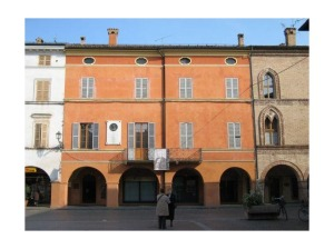 4000261-4_Casa_Barezzi_as_seen_from_Piazza_Verdi_Busseto