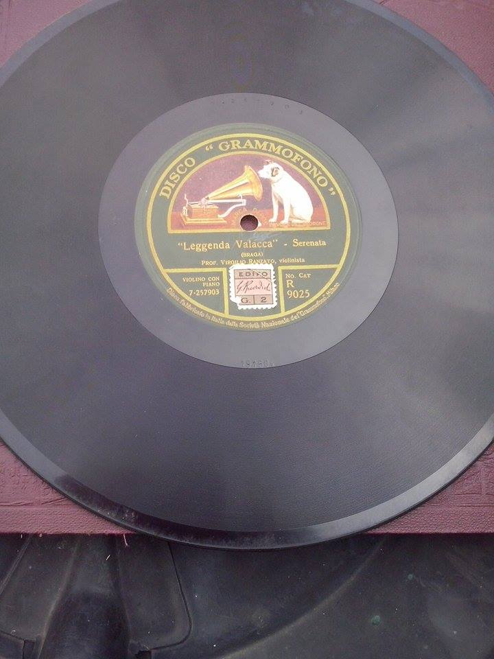 Collezione di dischi rari - vendita benefica (2/2)