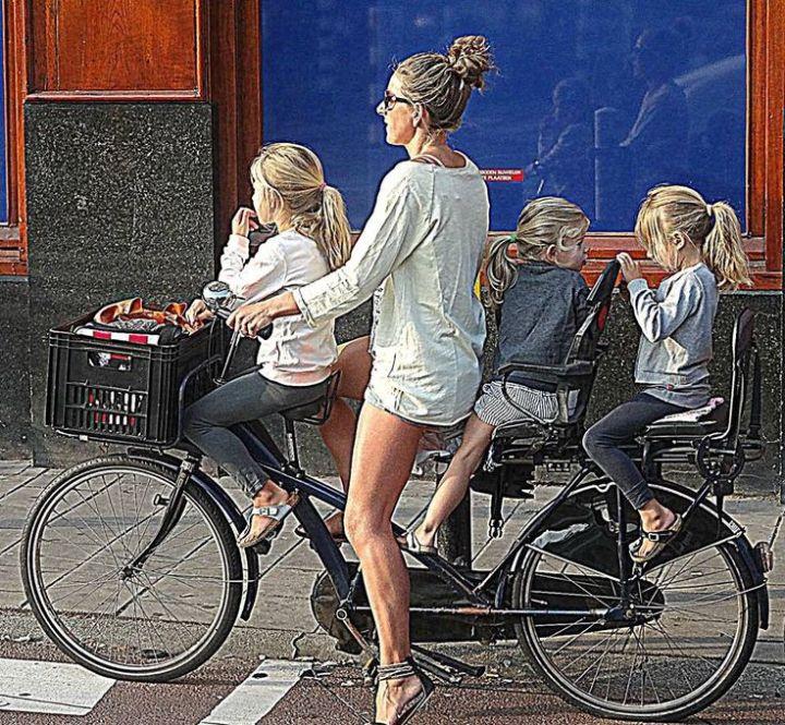 mamma-bici-tre-figli1